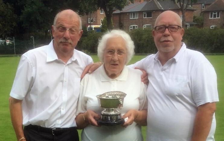 Sherwood Bowls Club Corral Rose Bowl Presentation